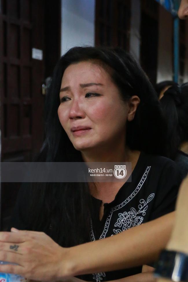 Sao Việt đau buồn đến viếng tang lễ nghệ sĩ Minh Thuận - Ảnh 11.