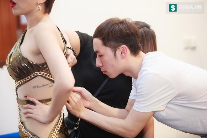Tóc Tiên gặp sự cố với váy nữ thần táo bạo - Ảnh 3.
