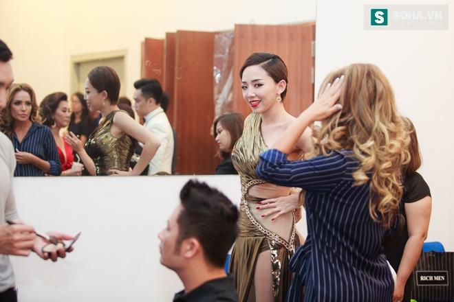 Tóc Tiên gặp sự cố với váy nữ thần táo bạo - Ảnh 7.