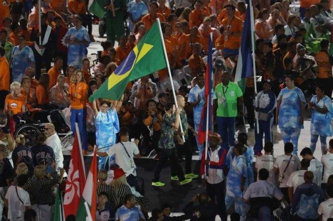 Ấm áp lễ bế mạc Paralympic Rio 2016
