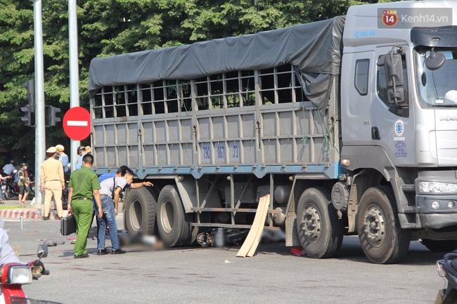 Đà Nẵng: 2 thanh niên chết thảm dưới gầm xe tải, giao thông hỗn loạn - Ảnh 3.