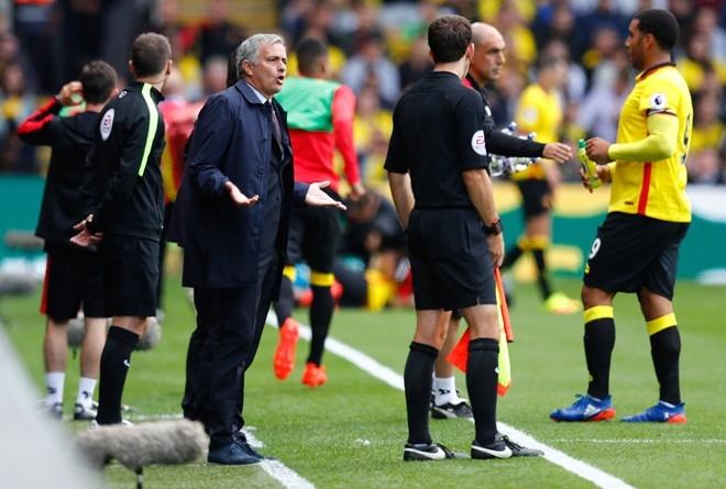 Mourinho va dan sao MU lang le tro ve sau that bai hinh anh 6