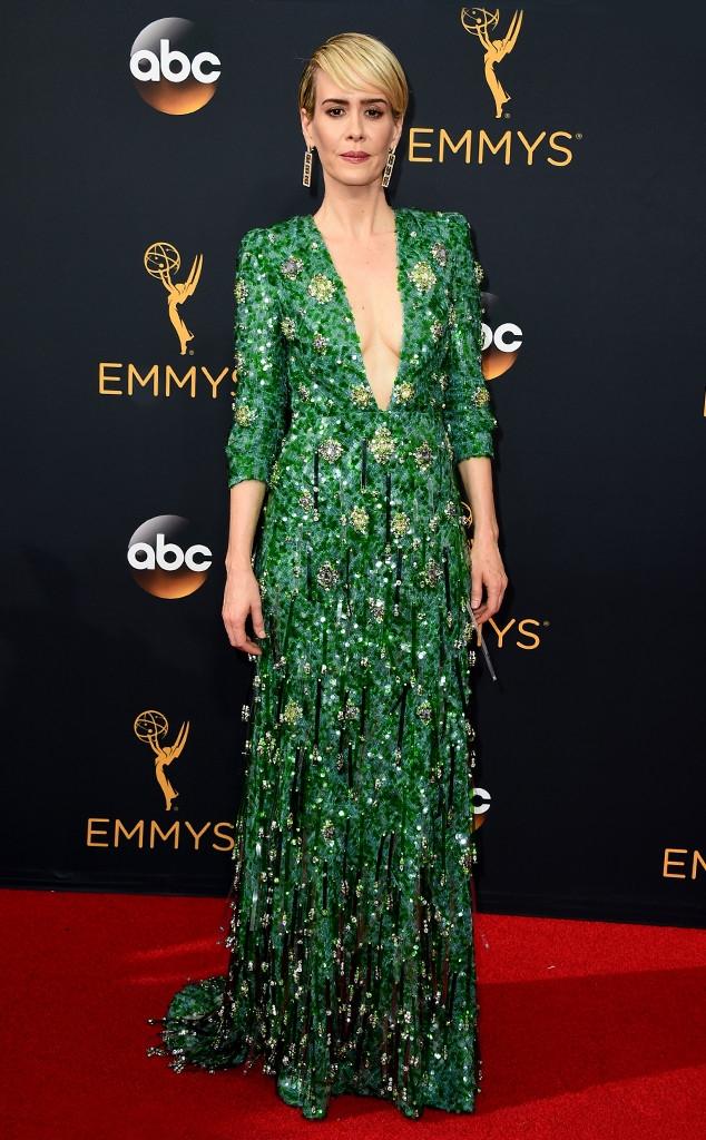 Thảm đỏ Emmy 2016 sáng bừng với màn đọ sắc lộng lẫy của dàn mỹ nhân thế giới - Ảnh 12.
