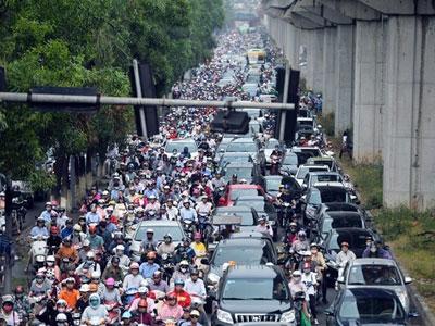 Cấm xe máy ngoại tỉnh vào Hà Nội là không công bằng