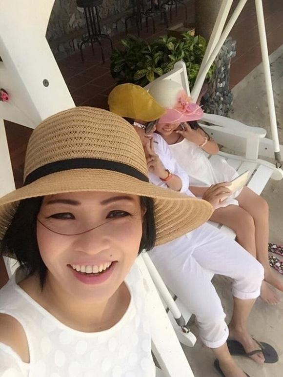 Con gái Phương Thanh đến viếng Minh Thuận 9