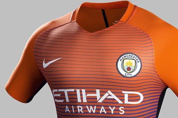 Lo dien mau ao dau thu ba cua Manchester City hinh anh 4