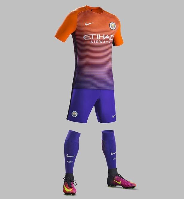 Lo dien mau ao dau thu ba cua Manchester City hinh anh 5