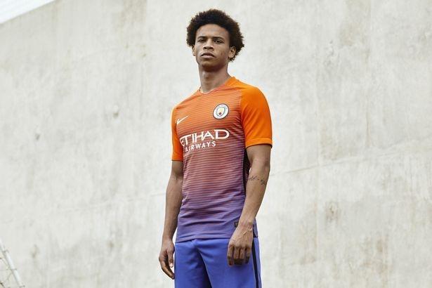 Lo dien mau ao dau thu ba cua Manchester City hinh anh 7