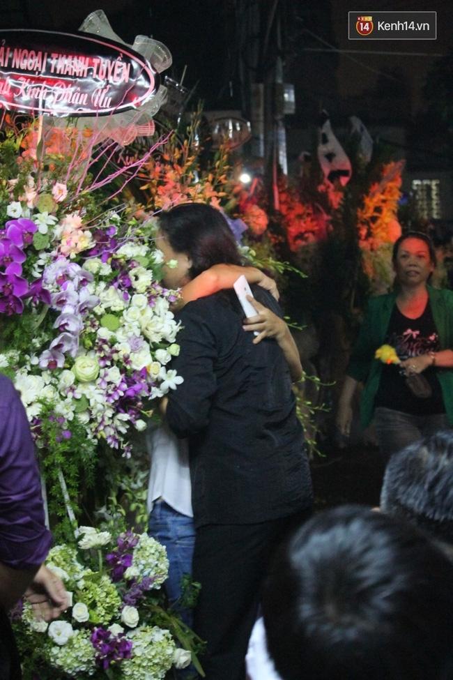 Sau tất cả, mưa to gió lớn cũng đâu ngăn được Nhật Hào đến thăm Minh Thuận lần cuối! - Ảnh 1.