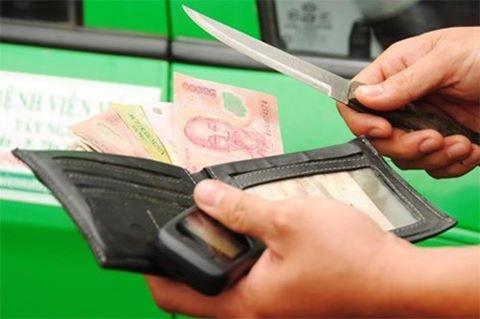 Image result for Truy lùng thủ phạm dí dao vào cổ tài xế cướp taxi ở Sài Gòn
