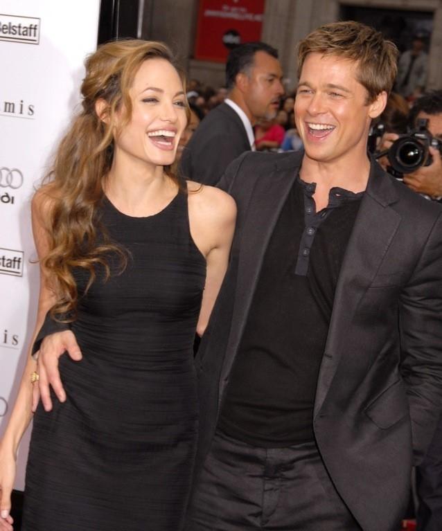 Angelina Jolie - Brad Pitt: 12 nam thien tinh su Hollywood hinh anh 5