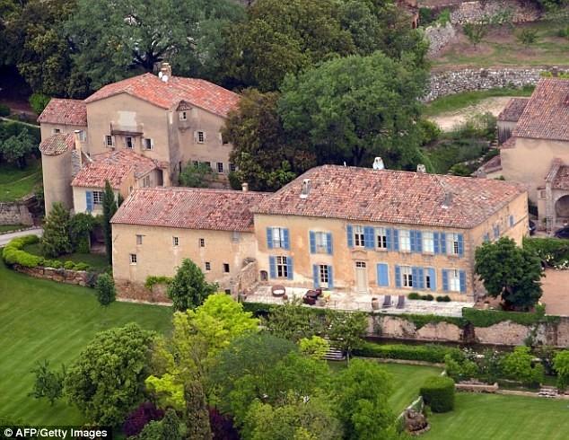 Angelina Jolie, Brad Pitt se chia 400 trieu USD nhu the nao? hinh anh 2