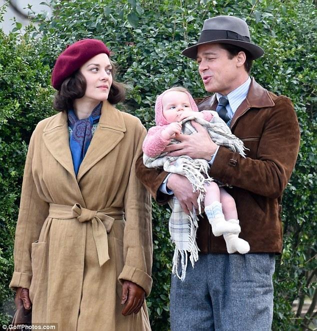 Brad Pitt lên tiếng sau tin bị Angelina Jolie ly hôn vì ngoại tình với bạn diễn - Ảnh 2.