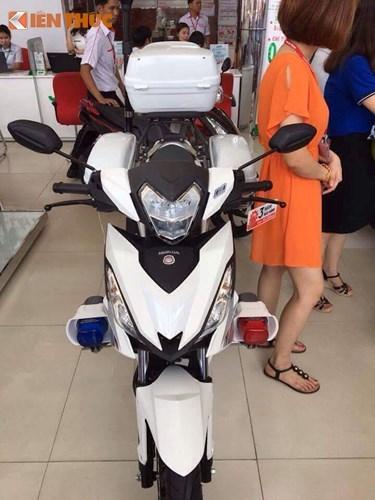Can canh Honda Winner 150 Police gia 69 trieu tai Sai Gon-Hinh-2