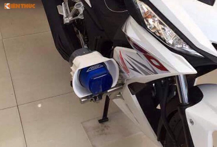Can canh Honda Winner 150 Police gia 69 trieu tai Sai Gon-Hinh-3