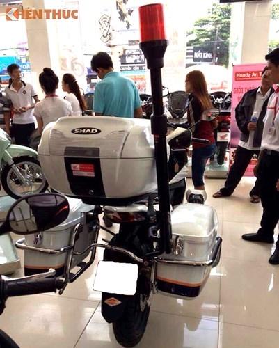 Can canh Honda Winner 150 Police gia 69 trieu tai Sai Gon-Hinh-4