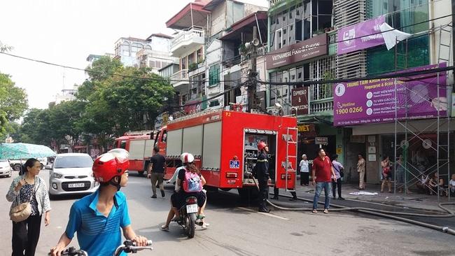 Hà Nội: Cháy cửa hàng thời trang gần Văn miếu Quốc Tử Giám - Ảnh 2.