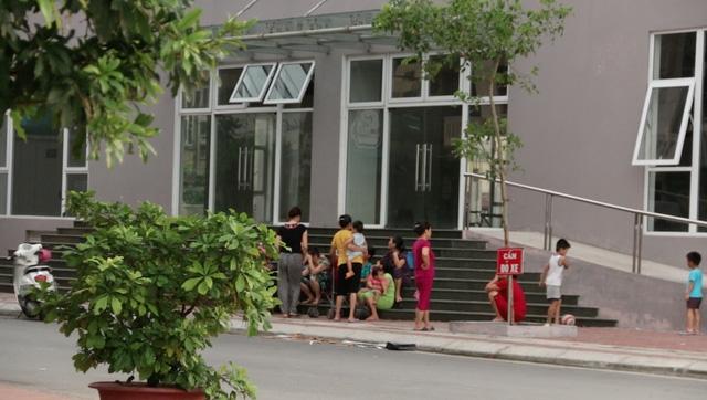 Chính quyền Hà Nội đã sửa địa giới hành chính hợp thức hóa quản lý đất đai để giải cứu cư dân sống tại chung cư đặc biệt này