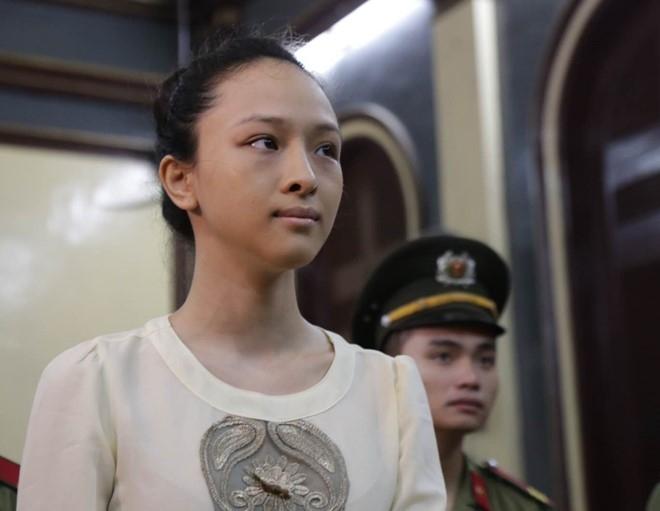 Hoa hau Phuong Nga: 16,5 ty la tien hop dong tinh cam hinh anh 1
