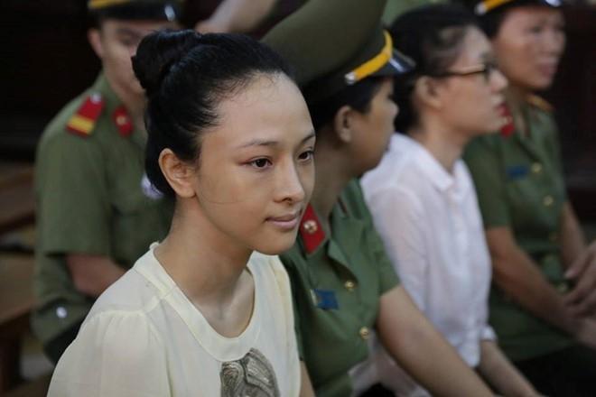 Hoa hau Phuong Nga: 'Bi cao oan nen buoc phai khai su that' hinh anh 1