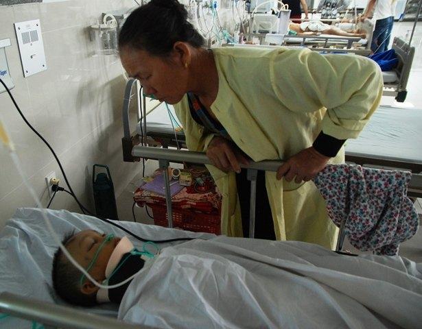 lốc xoáy, lốc xoáy cuốn 3 cha con ở Quảng Bình