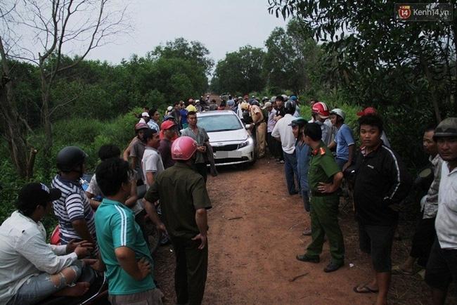Người dân truy đuổi nam thanh niên lái xe ô tô tông chết người rồi bỏ chạy - Ảnh 1.