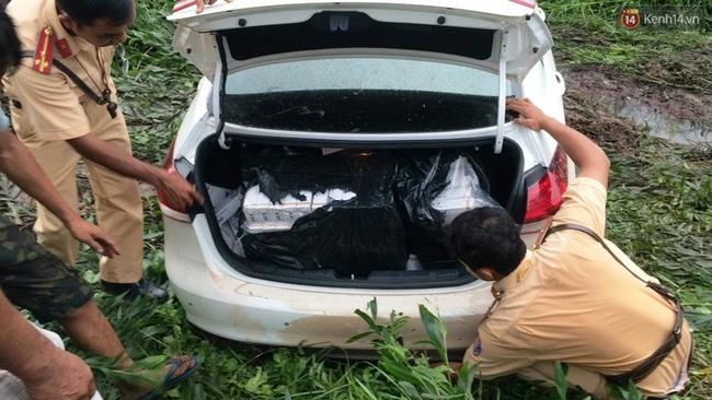 Người dân truy đuổi nam thanh niên lái xe ô tô tông chết người rồi bỏ chạy - Ảnh 3.
