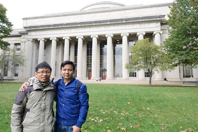 TS Vũ Thành Long và TS Hoàng Đức Chính - một trong những người tham gia tổ chức hội nghị quốc tế về năng lượng mới tại Hà Nội, Việt Nam vào ngày 14/11 tới đây.