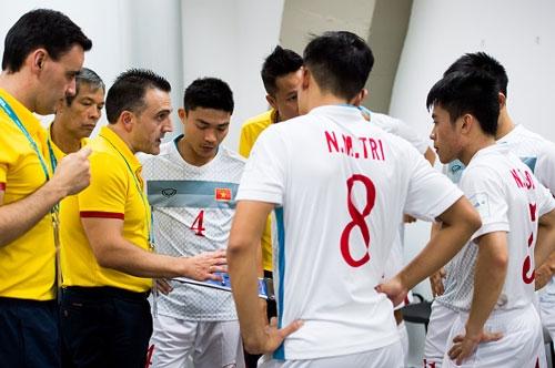 thua nga 0-7, dt viet nam chinh thuc chia tay futsal world cup hinh anh 2