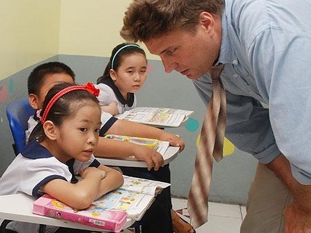 Học sinh tiểu học ở TP Hồ Chí Minh học Ngoại ngữ với người nước ngoài