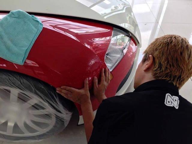 """Chuyên gia Nhật """"tút"""" lại Bugatti Veyron của Minh """"nhựa"""" trước khi bán - ảnh 2"""