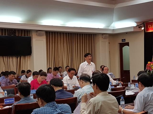 Thứ trưởng Bộ Y tế Nguyễn Thanh Long nói về kết quả nghiên cứu, đánh giá mức độ an toàn của hải sản miền Trung (Ảnh: T.A)