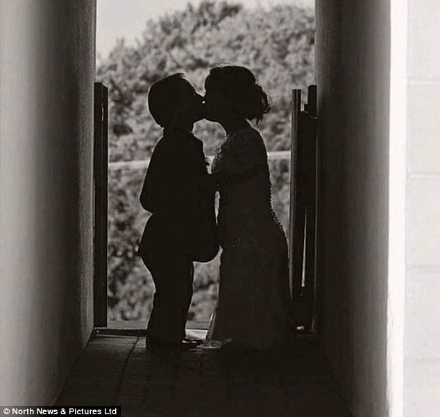 Đám cưới trong mơ của cặp đôi chú lùn bên cậu con trai nhỏ - Ảnh 6.