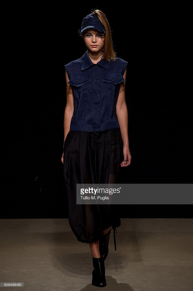 Do Ha dien show mo man Milan Fashion Week hinh anh 7