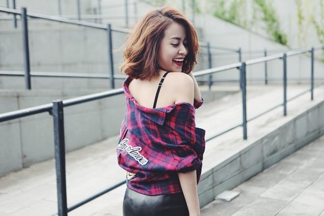 Hoang Thuy Linh xuong pho voi 7 set do mua thu hinh anh 5