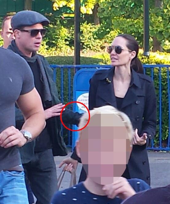 Lộ ảnh Angelina Jolie và Brad Pitt cãi nhau dữ dội trước mặt các con - Ảnh 2.