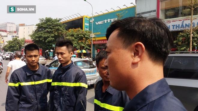 Thanh niên ngất, chảy đẫm máu, cảnh sát PCCC vội đưa đi cấp cứu - Ảnh 3.