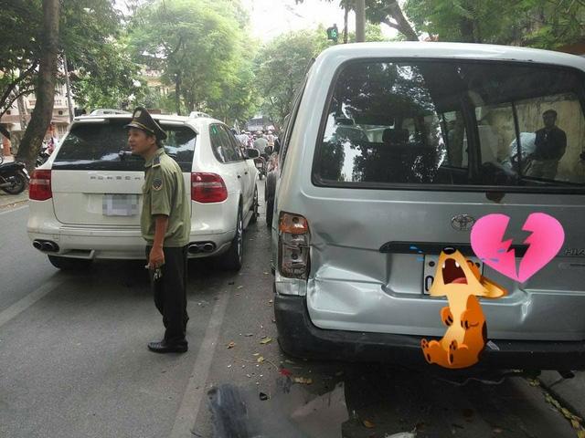 Hiện trường vụ tai nạn liên hoàn tại Hà Nội. Ảnh: Lê Thanh Nguyên