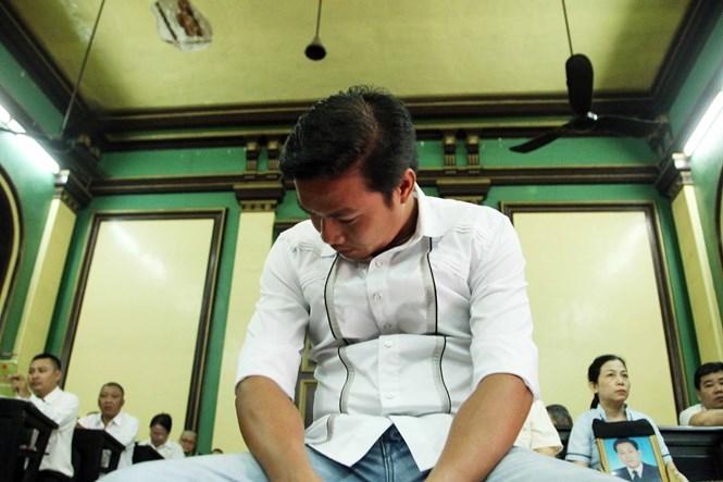 Tòa cấp sơ thẩm tuyên phạt bị cáo Phạm Sỹ Hoài Như 12 năm tù /// Đào Ngọc Thạch