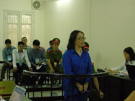 Huỳnh Thị Bảo Ngọc tại phiên tòa.