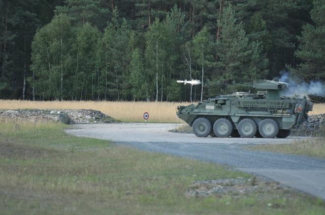 M1134 ATGM của Mỹ có đủ sức đánh bại T-90? - Ảnh 2.