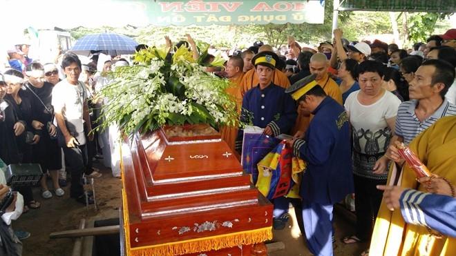 Nguoi dan chen lan, xo day o dam tang NSND Thanh Tong hinh anh 17