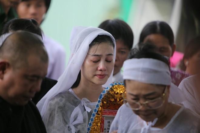 Que Tran khoc nuc no trong le an tang NSND Thanh Tong hinh anh 26