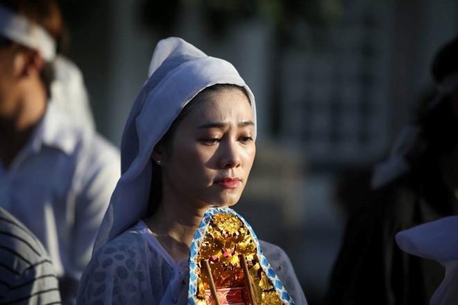 Con gai NSND Thanh Tong nghen ngao trong dam tang cha hinh anh 13