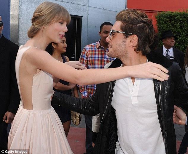 Taylor Swift chia tay Tom Hiddleston là để hẹn hò thiếu gia dầu mỏ? - Ảnh 5.