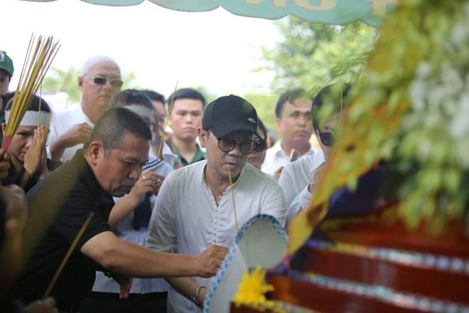 Thanh Loc buc xuc voi dam dong gay roi o tang le Thanh Tong hinh anh 7