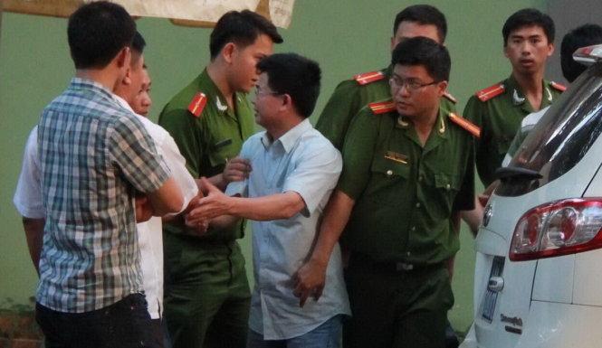 Kết quả hình ảnh cho Trần Minh Lợi hối lộ