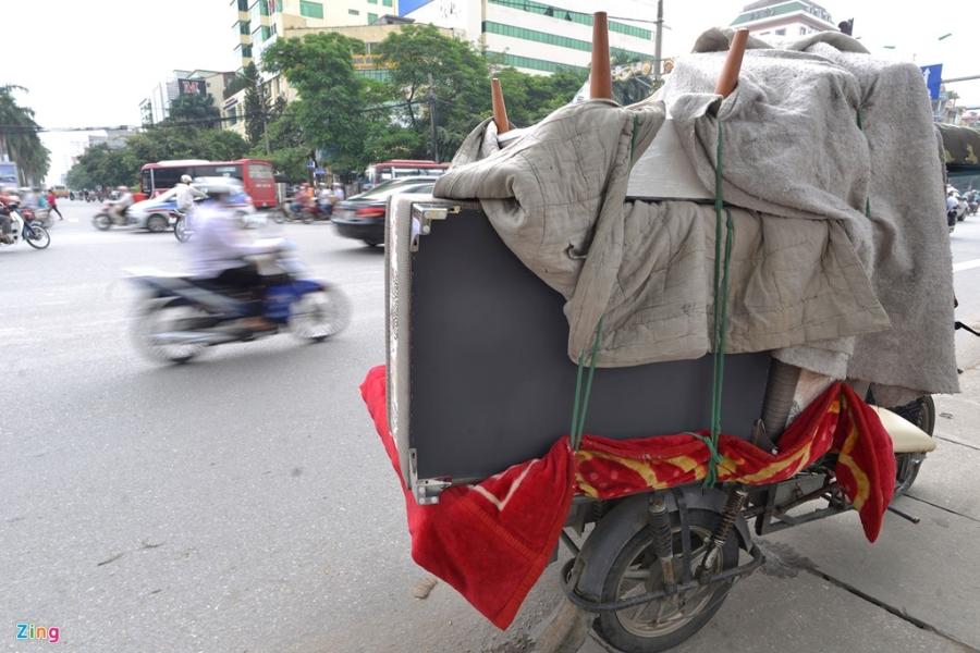CSGT xu phat hang loat xe cho cong kenh tren pho hinh anh 10
