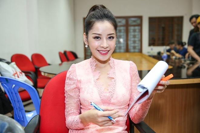 Dong Nhi, Ong Cao Thang mac do sac so di cham thi hinh anh 7