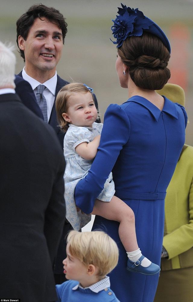 Thủ tướng Trudeau trò chuyện cùng Công nương Kate (Ảnh: Mark)